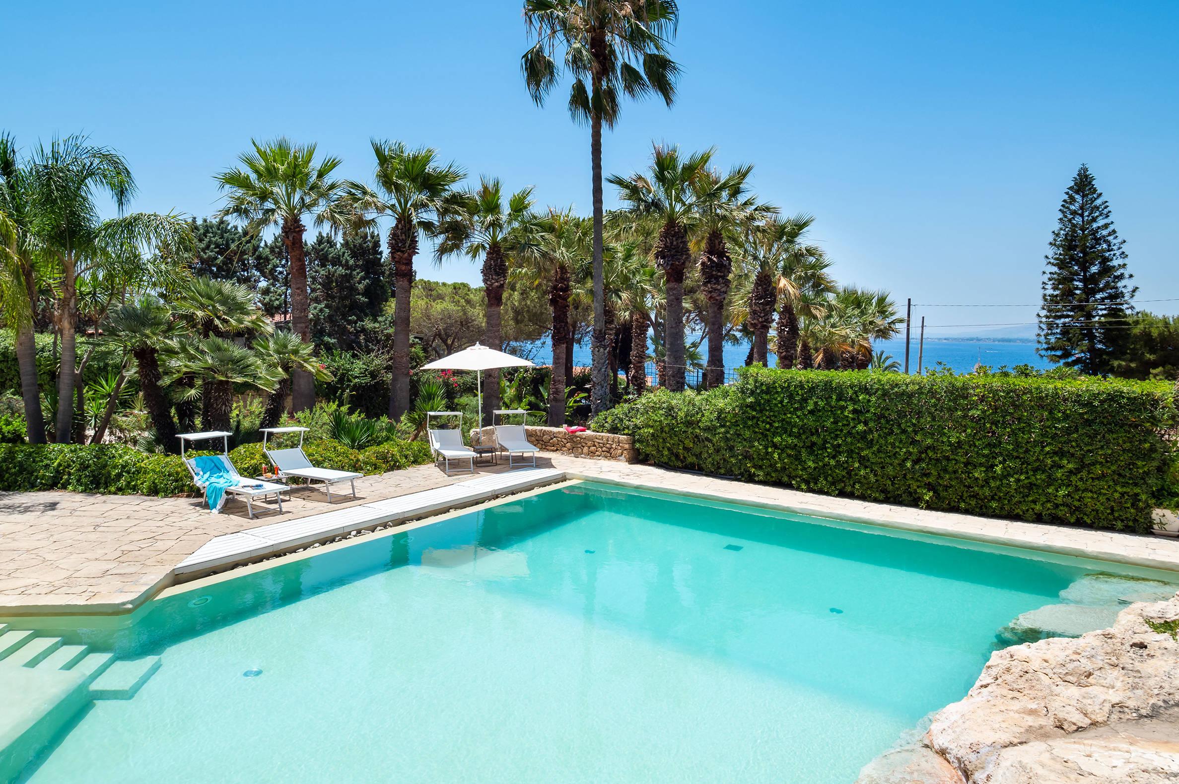Vacation Rental Villa Rossana - 10 Guests