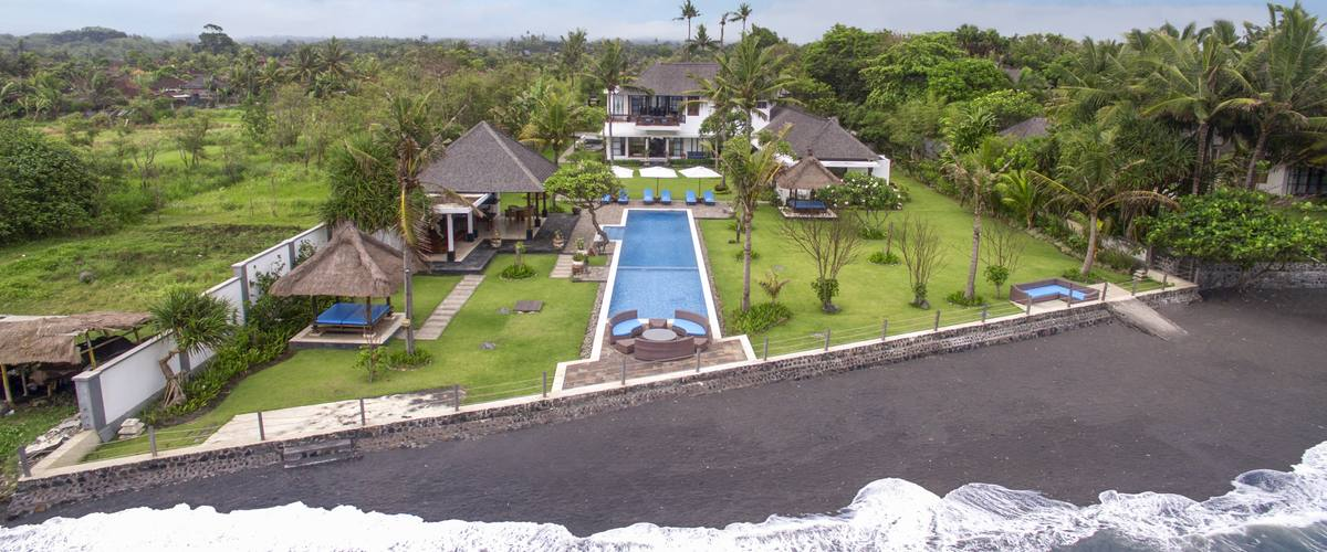Vacation Rental Bougain Villa - The Ideal Beachfront Getaway
