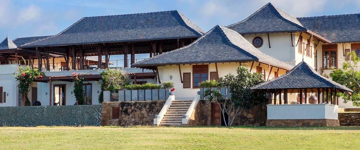 Vacation Rental Super luxurious beachfront estate
