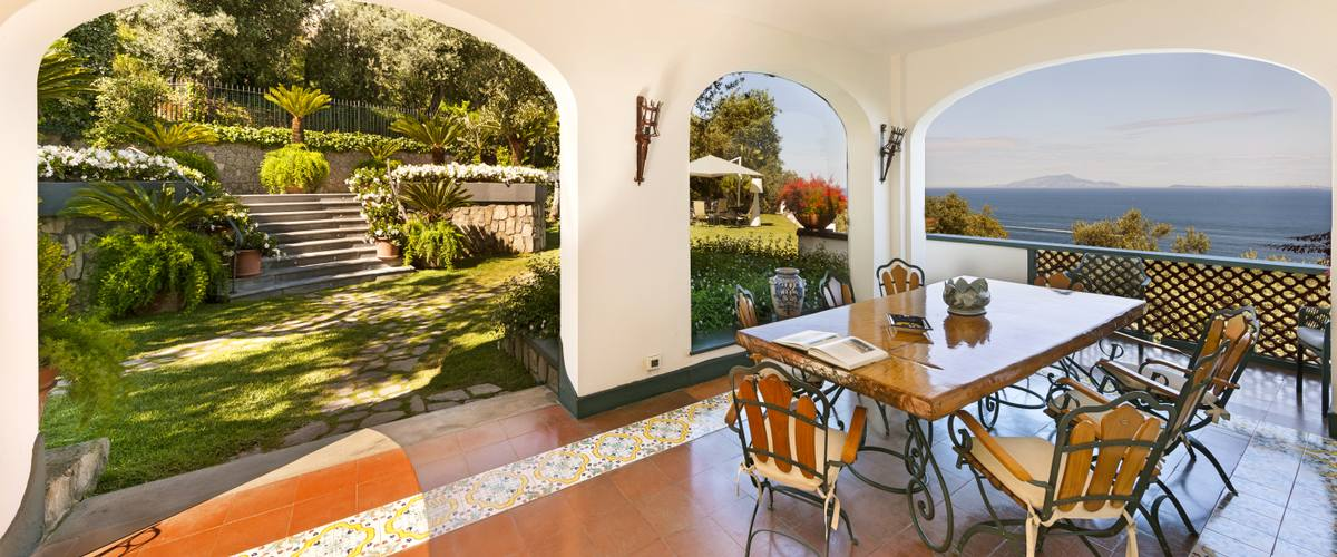 Vacation Rental Villa Nuceria