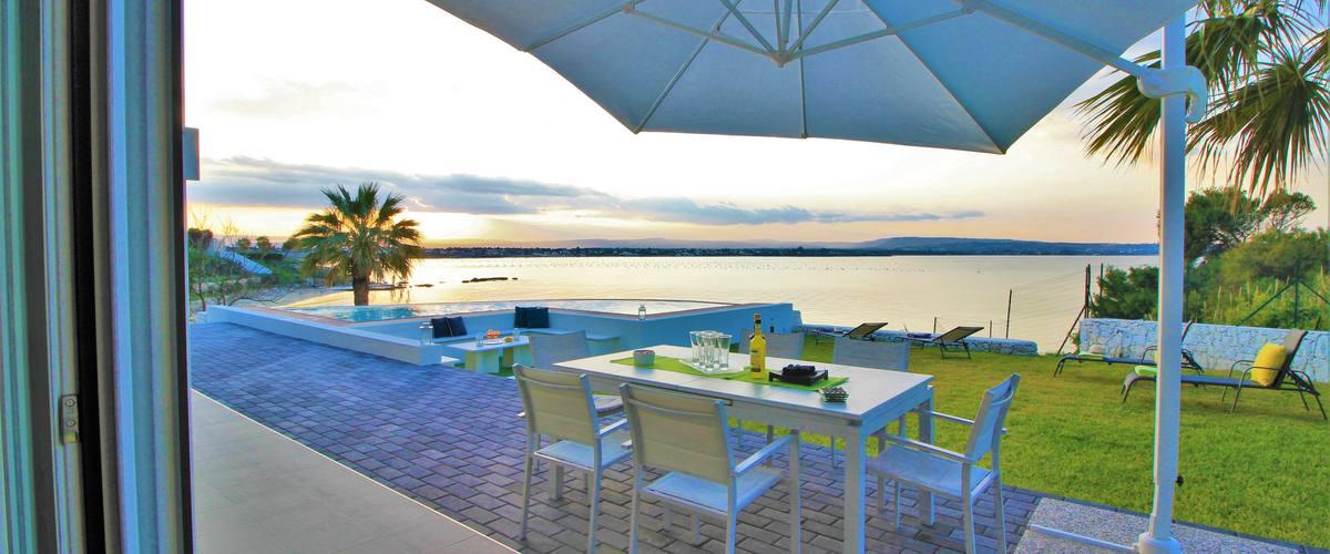 Vacation Rental Villa Artista