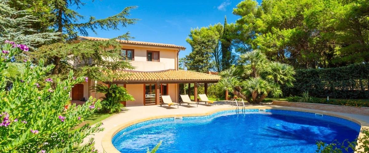 Vacation Rental Villa Paparella