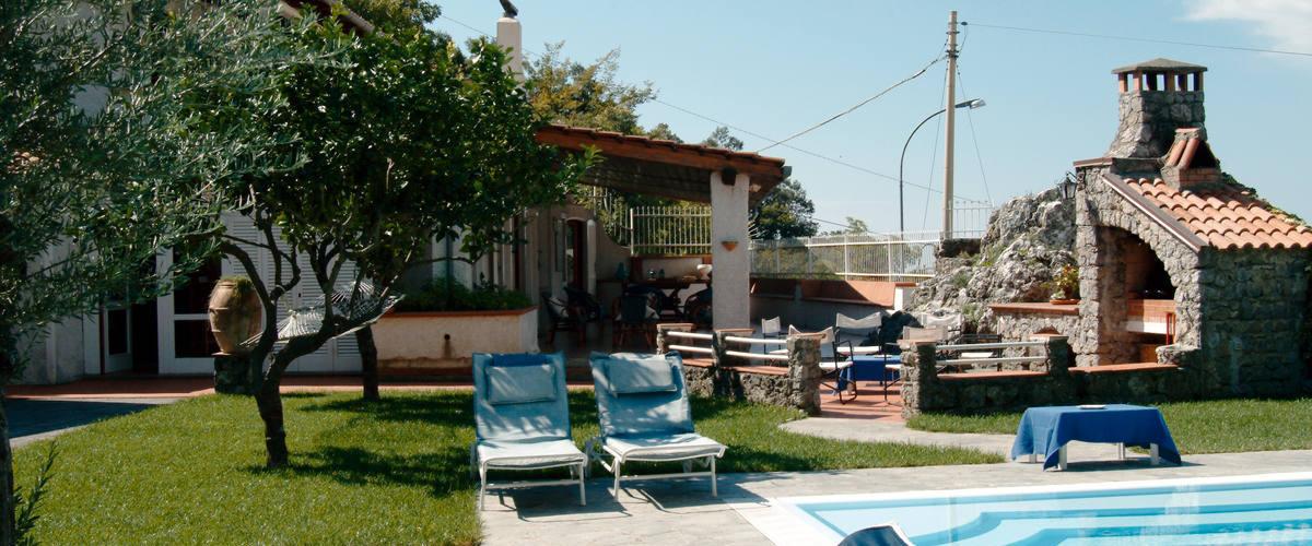 Vacation Rental Villa Caterina- Villa+bungalow