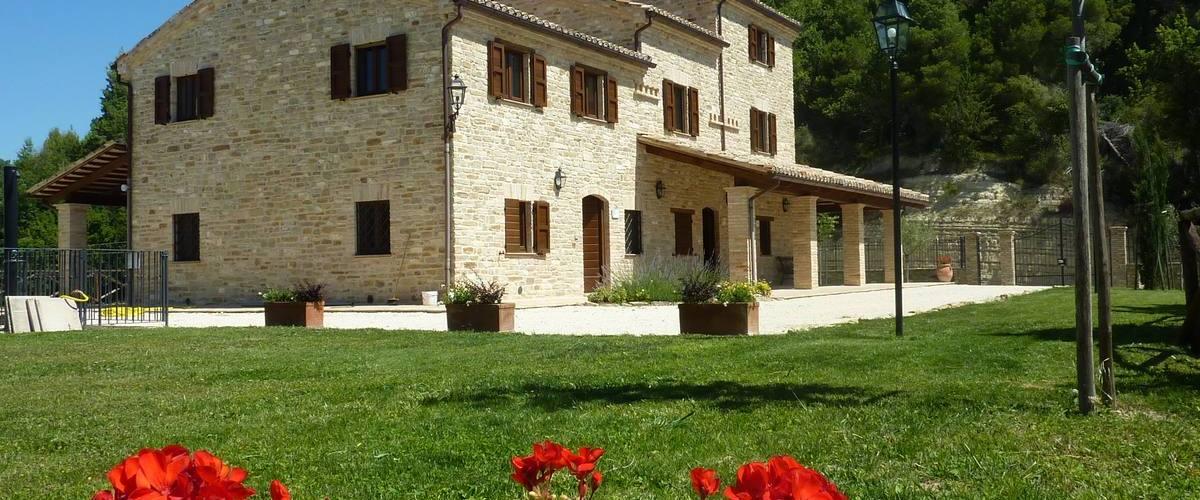 Vacation Rental Villa Monti - 12 Guests