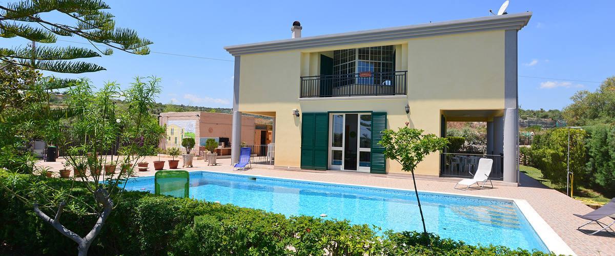 Vacation Rental Villa Fiorita