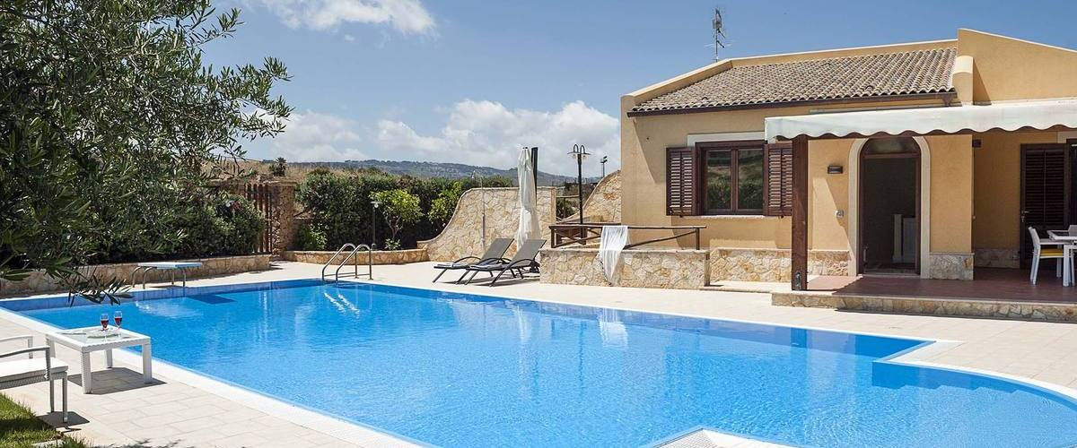 Vacation Rental Villa Cornino