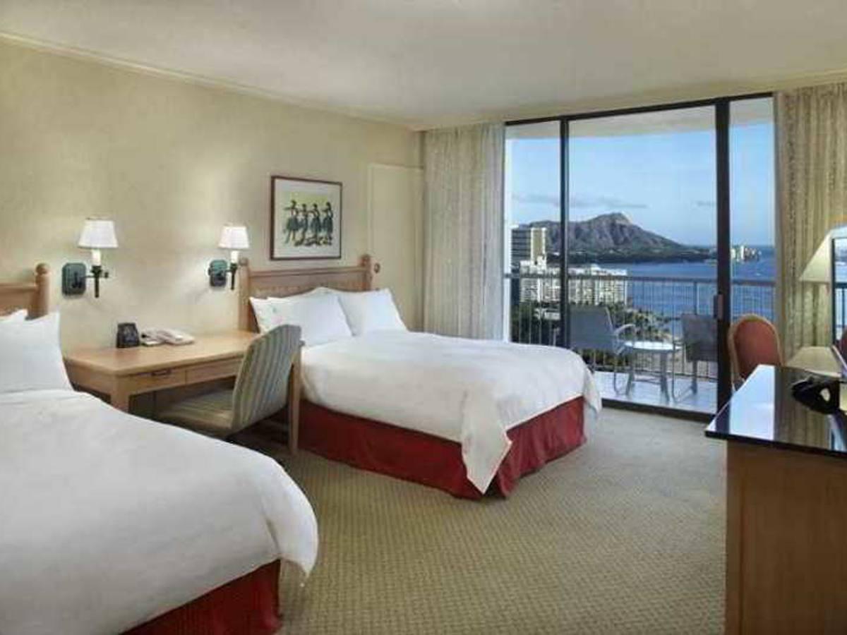 Hi Al Hilton Hawaiian Village Waikiki Beach Resort