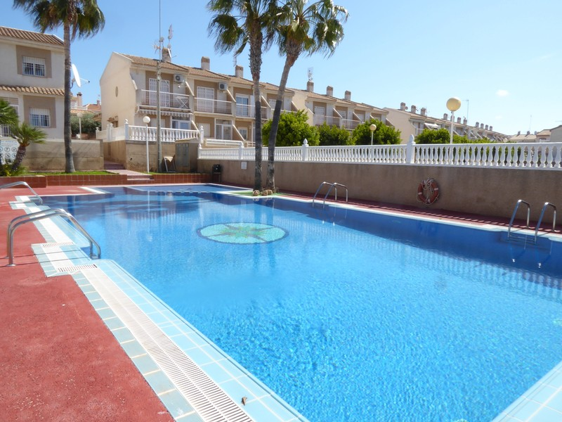 Townhouse For Holiday Rental Aguas Nuevas In Torrevieja
