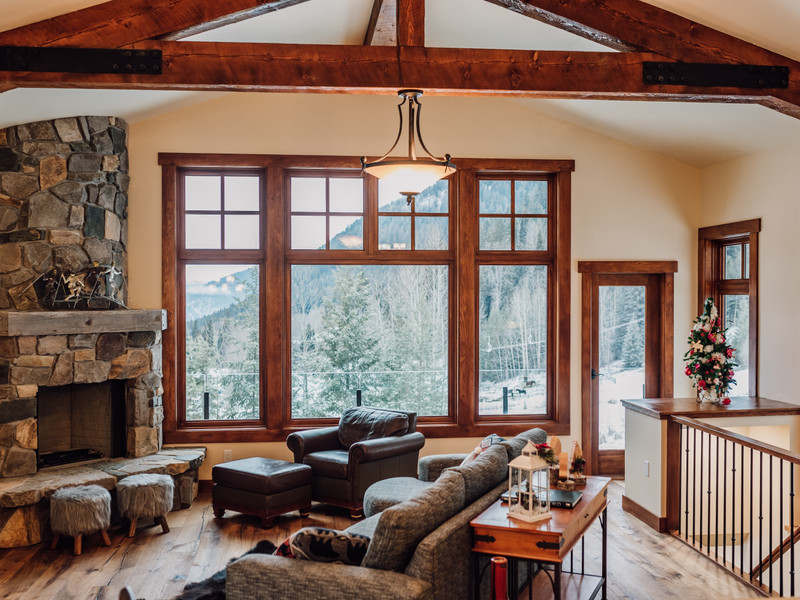 Vacation Rental GrayStone Chalet In Sun Peaks