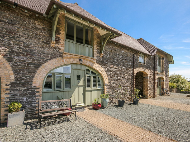 Vacation Rental Hobbit Cottage