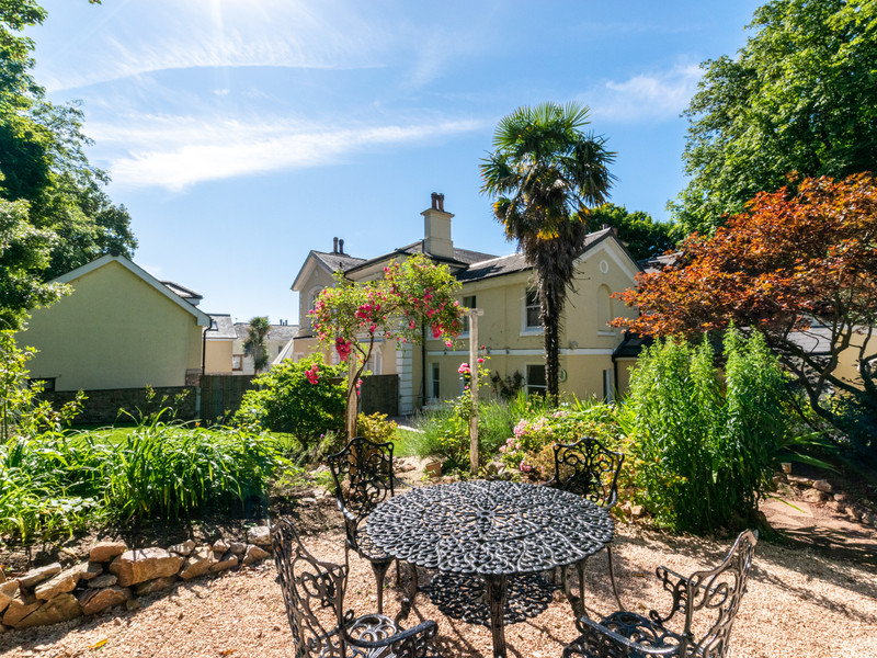 Vacation Rental Clevehurst Cottage
