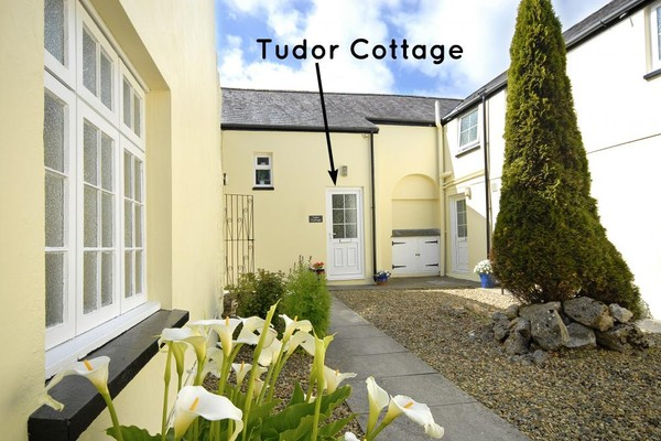 Vacation Rental Tudor Cottage