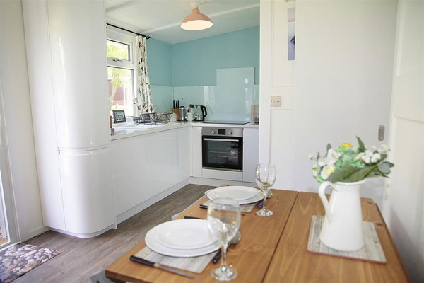 Vacation Rental Pebbles, Summercliffe Park, Caswell