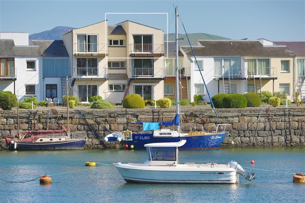 Vacation Rental A Place On The Harbour, Porthmadog