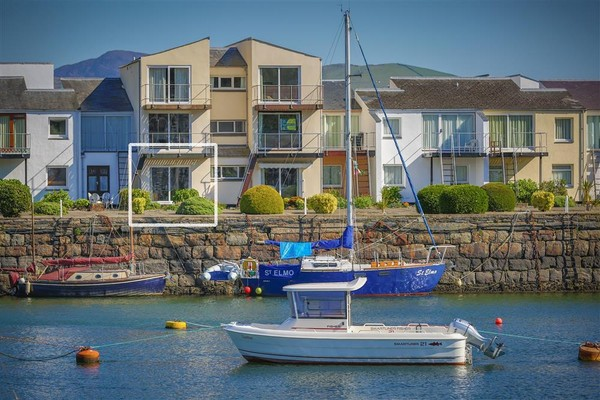 Vacation Rental Flat with Harbour Views, Porthmadog