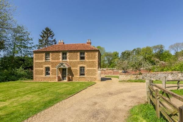 Vacation Rental Cottages in the Walled Garden