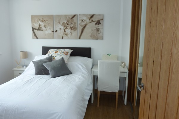 Vacation Rental Flat 03, Balfour House, Winnall Close
