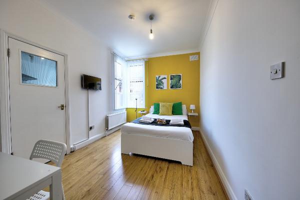 Vacation Rental Melrose Apartment #me6
