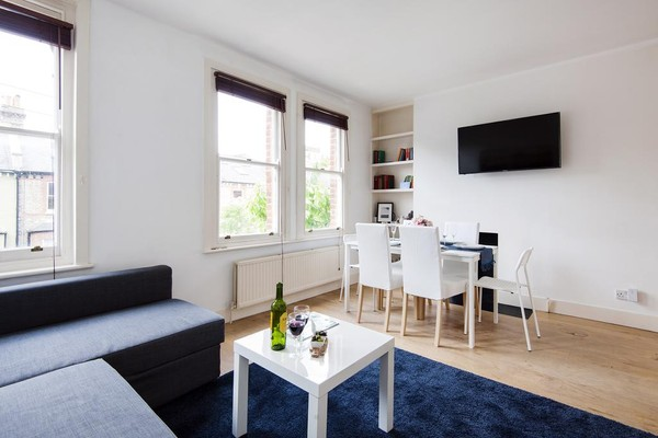 Vacation Rental The Homey West Kensington Apartment