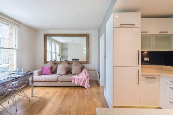 Vacation Rental Dalston Balcony Apartment