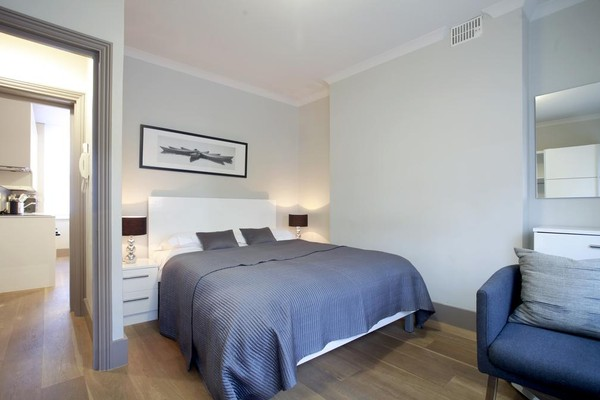 Vacation Rental Fitzrovia Valet Apartment