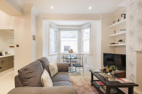 Vacation Rental The Earl's Court Square Residence