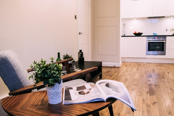 Vacation Rental Cosy Finborough Road Gem