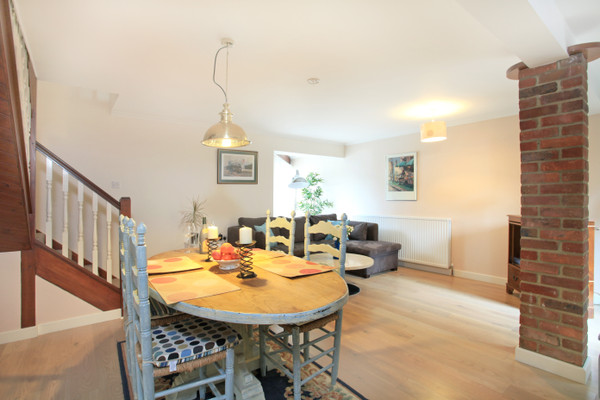Vacation Rental Maisonette No. 06 Magdalen Mews, St Johns Street