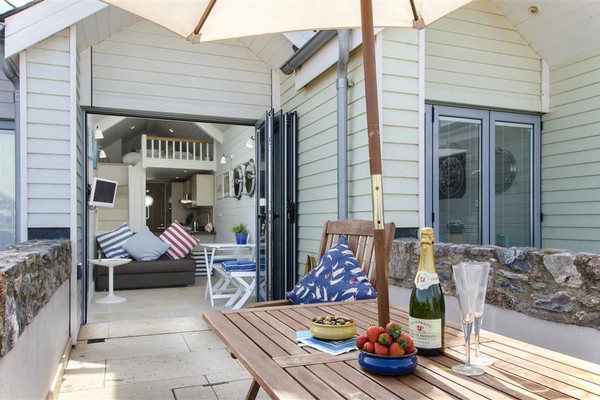 Vacation Rental Shaldon Beach Hut 2