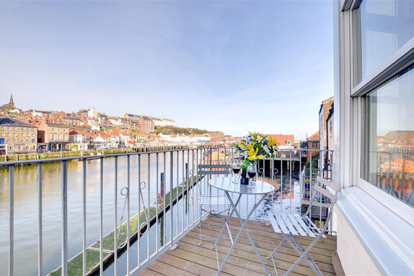 Vacation Rental Harbourside Apartment 1