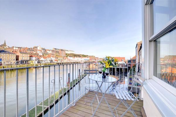 Vacation Rental Harbourside Apartment 1