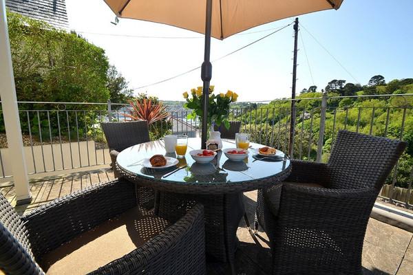 Vacation Rental Inglewood Apartments