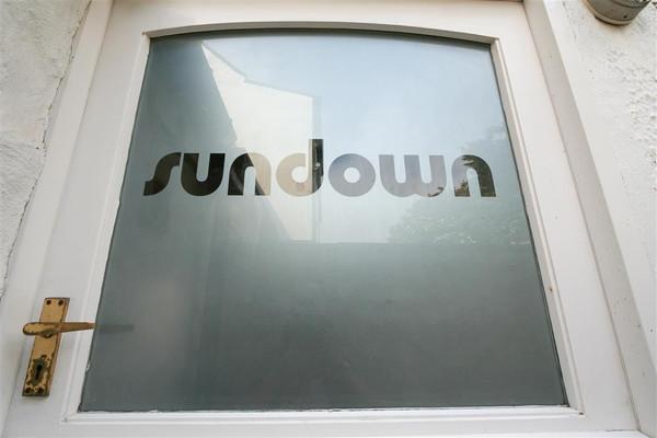 Vacation Rental Sundown, Street an Pol