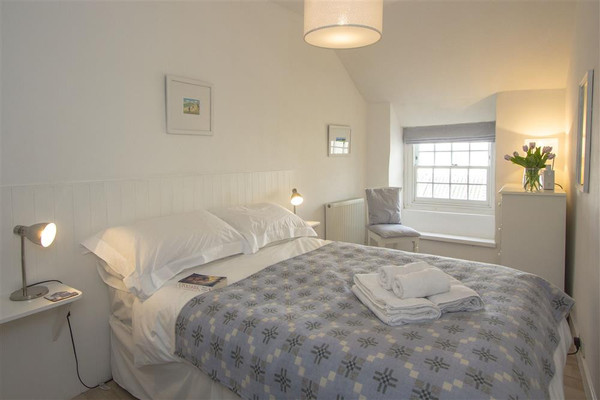 Vacation Rental Tide Cottage, 2a Westcotts Court