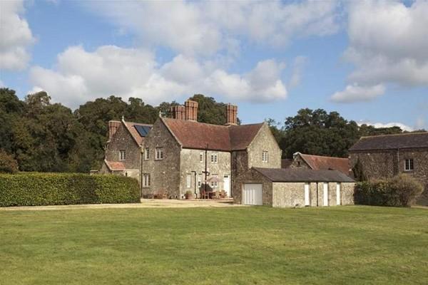 Vacation Rental Barton Manor Farmhouse