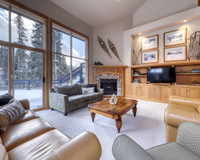 Vacation Rental On the Run Chalet in Sun Peaks