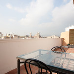 Rental Penthouse with terrace in Rambla Catalunya -Centre