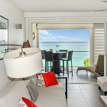 Rental One-Bedroom Apartment first floor up to 4 guests, located on the beach