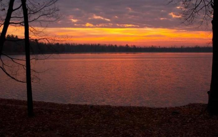 Awesome Updated Lakefront Chalet For Rent In Northwest Michigan!, Wellston