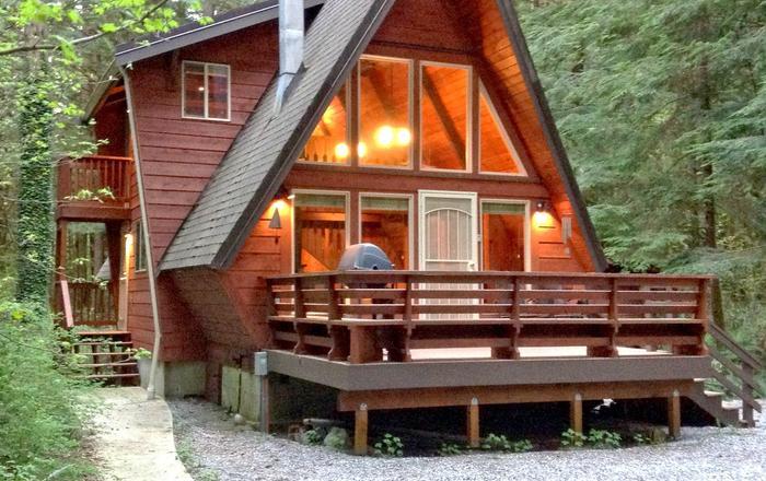 Snowline Cabin #15 - A Great Couples Getaway!, Glacier