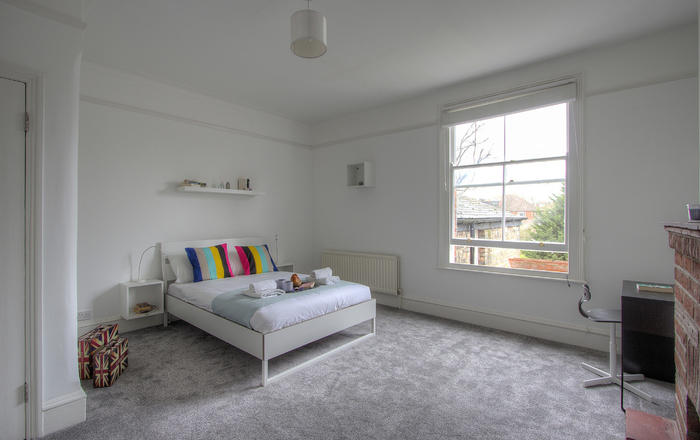 Brondesbury Apartment, London