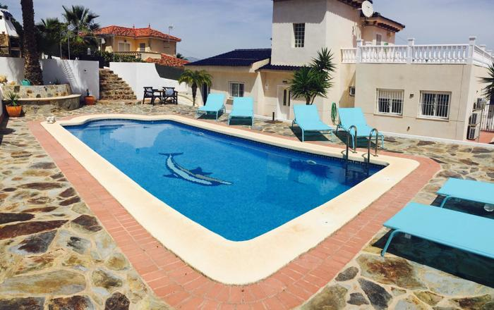 Amazing Detached 4 Bedroom Villa, Plot Size Over 1000m2, Almoradí