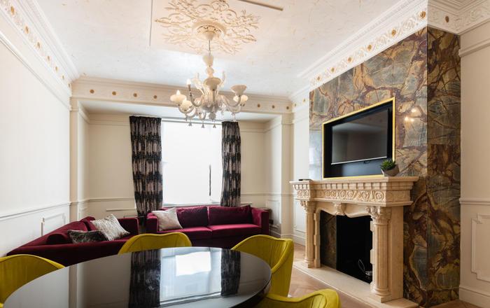 Modern & Luxurious 2 Bedroom Maisonette In Mayfair, London