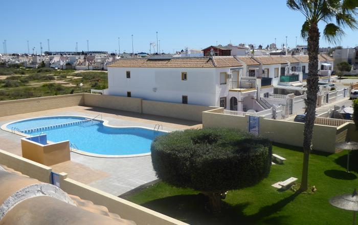 Casa Feliz -Upstairs Apartment With Solarium, Jardin Del Mar, Jardin Del Mar Torrevieja