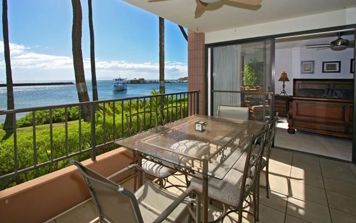 Aurora Sands - Oceanfront 2 BR/2 BA - Whales, Water And Spectacular Sunsets!, Wailuku