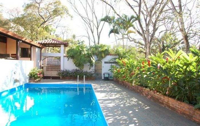 Your Haven Away From Home With Pool & WiFi, Concepción