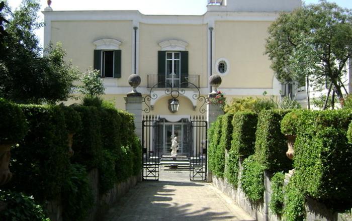 Villa San Gennariello B&B - 18th Century Villa In Napoli, Portici