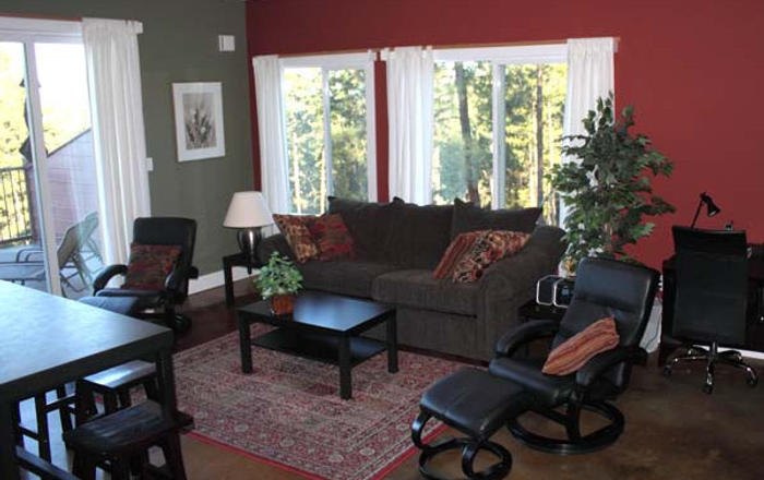 Welcome To Crooked Tree Guest Suites - Spruce, Penticton