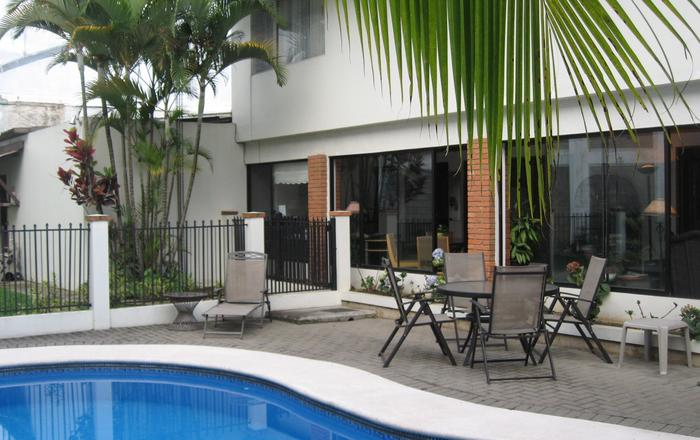 CASA LAURIN - YOUR NATURE OASIS IN THE CITY !, Escazu