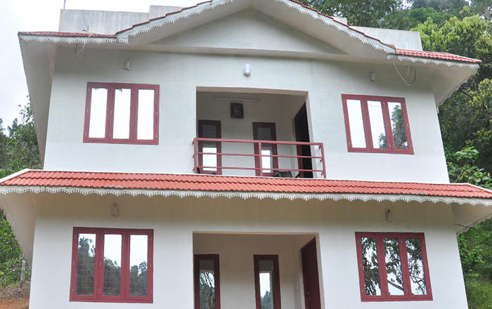 ECO-FRIENDLY COTTAGES SITUATED MIDDLE OF 3 ACRE OF LAND, SURROUNDED BY ALL KINDS OF ORGANIC SPICES LIKE BLACK PEPPER, CARDAMOM, CINNAMON, NUTMEG ETC, TREES LIKE TEAK, ROSEWOOD, MANGO, COCONUT TREE, Munnar